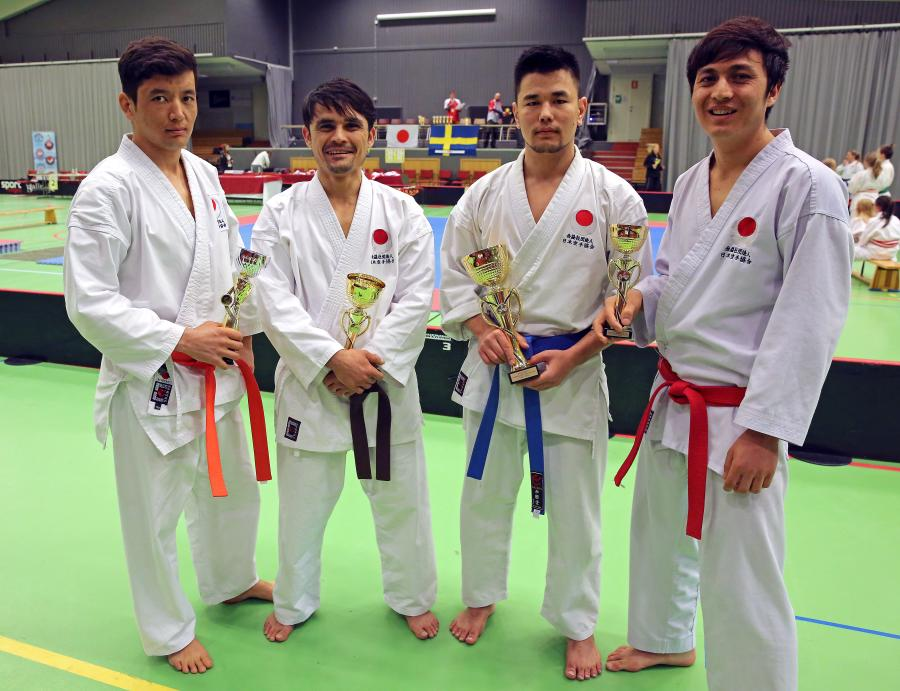 Fr. v. Asef, Zaman, Barat och Gholam var de fyra från klubben som deltog i tävlingen i Piteå.
