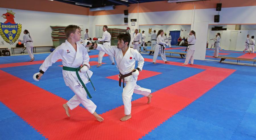 Zaman i aktion under kumiteträning på sommarlägret.