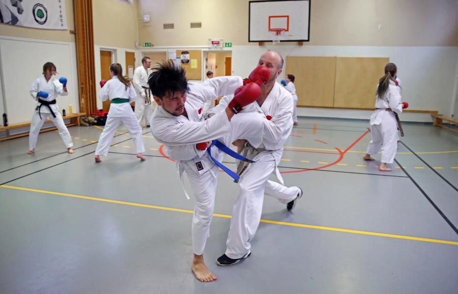 Söndag 12 november hade Övre Norrlands Karateförbund, ÖNKF, kumiteträning i Umeå, med Simon Adolfsson. Fem av klubbens medlemmar deltog i träningen.