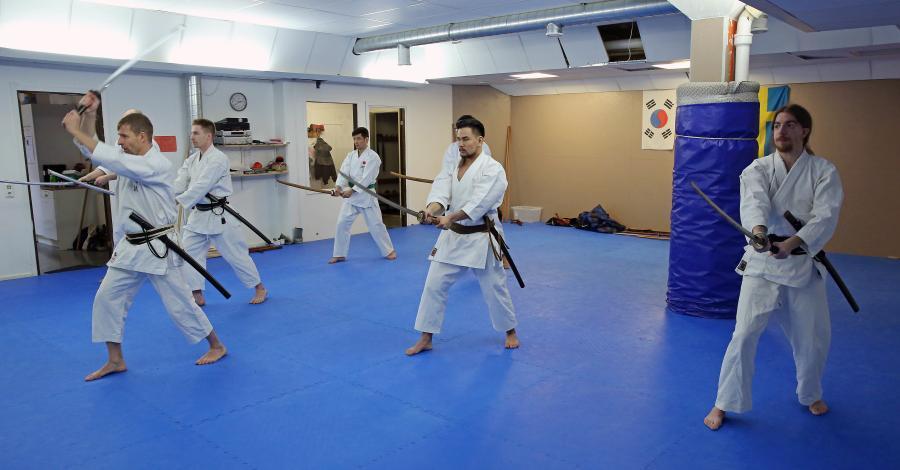 Några medlemmar i klubben var i Umeå lördag 13 januari och tränade kobudo (vapen) och iaido med Johan Backteman.