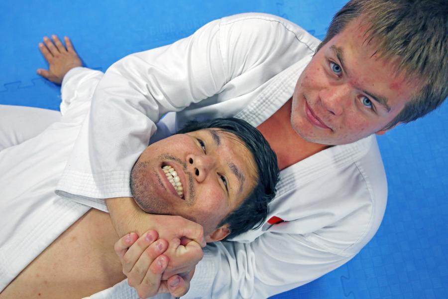 Mohsen i ett knepigt läge på seminariet med Hardy Holm