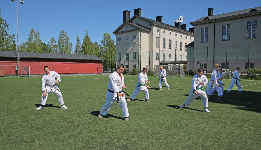 Det tränades kihon, kata och kumitetekniker på lägret i Umeå med Johan Backteman, 7 dan, och Per Åstrand, 5 dan.